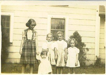 Ann, Barb, Sue, Grace, Rica 1944