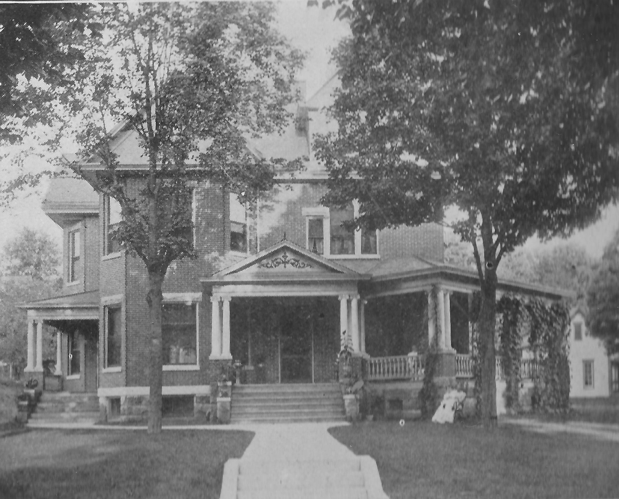 Indiana applegate sisters of corydon indiana for Applegate house