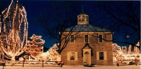 Corydon Capitol at Christmas