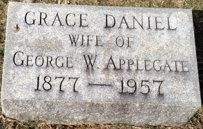 Grace Daniel Applegate headstone