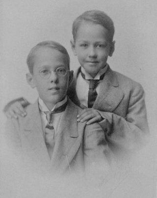 Geo W. Applegate III and Ted Applegate, about 1911