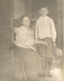 Julia Ann Gordon (1882-1921) and brother Leonidas (1896-1950)