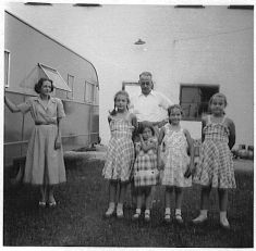 Maggie, Grace, Ted, Barb, Rica, Sue, getting ready to leave Corydon for Stamford, Oct. 1948