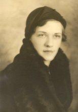 Margaret Patten (Maggie) Applegate age 25