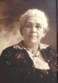Margaret Hoffman Gordon 1861-1952, mother of Julia Gordon Patten and grandmother of Maggie Applegate