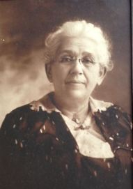 Margaret Hoffman Gordon 1861-1952, mother of Julia Gordon Patten and grandmother of Maggie Applegate