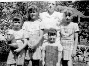 Rica, Grace, Ruth Faith, Barb, Sue 1947