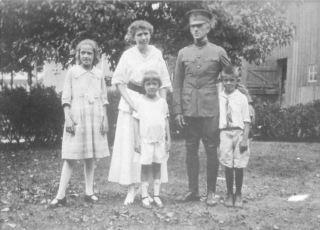 Maggie, Julie, Marian, VC, Bill Patten 1918