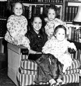 Sue, Ann, Grace, Rica 1941