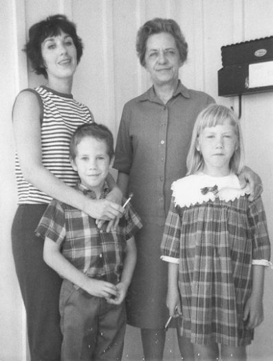 Rica, Maggie, Ted and Lil, 1967