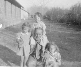 Ted with Grace, Rica and Sue, 1943