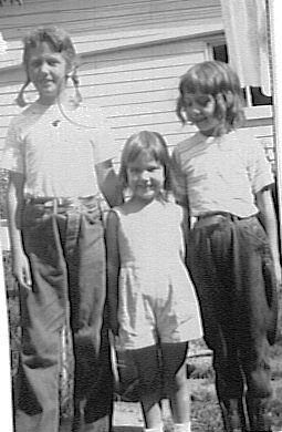 Grace, Barb, Rica, 1947, Corydon