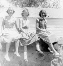 Grace, Rica, Sue, 1952
