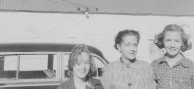 Sue and Maggie, 1951