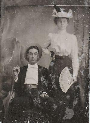 George W. (Papa) and Grace (Bobbie) Daniel Applegate, about 1898