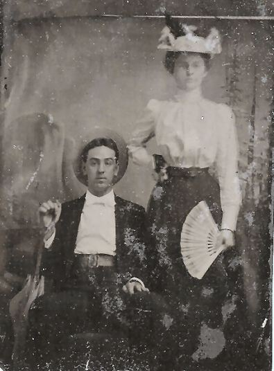 George W. (Papa) and Grace (Bobbie) Daniel Applegate, about 1898