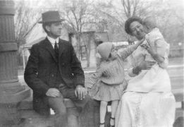 Vernon Cole Patten, Julia Gordon Patten, Margaret and Bill, 1910